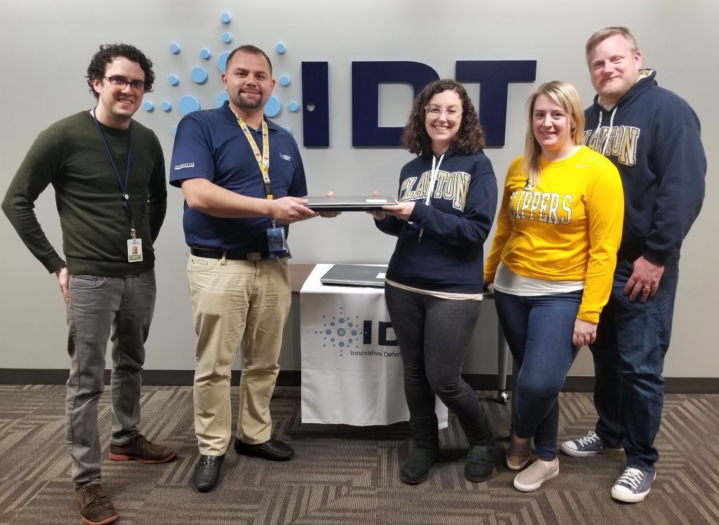 IDT Employees Donate Computers